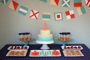 Как красиво украсить торт кремом?