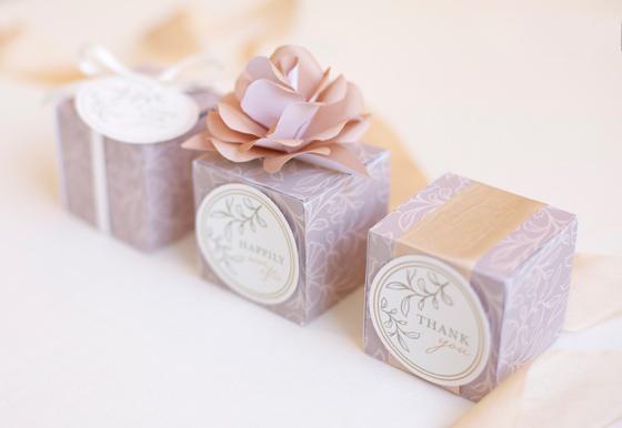 Свадебные конверты и коробочки