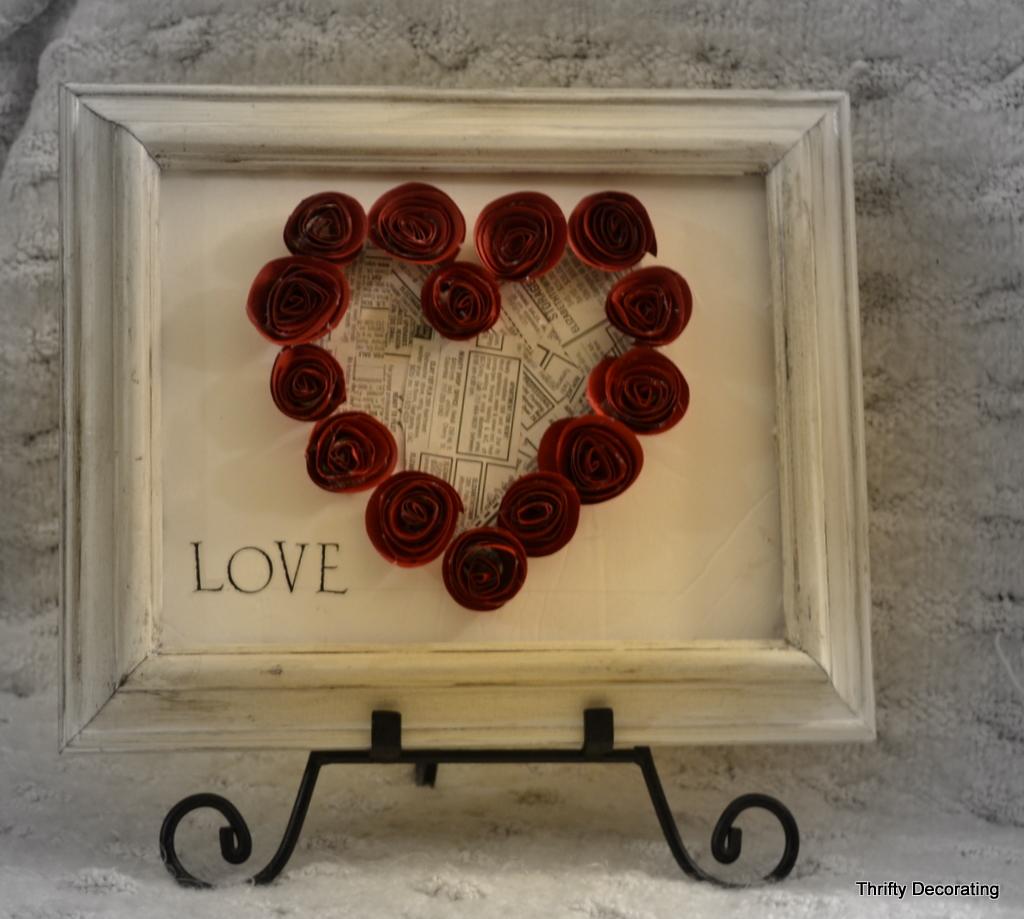 Сердечные панно из бумажных роз