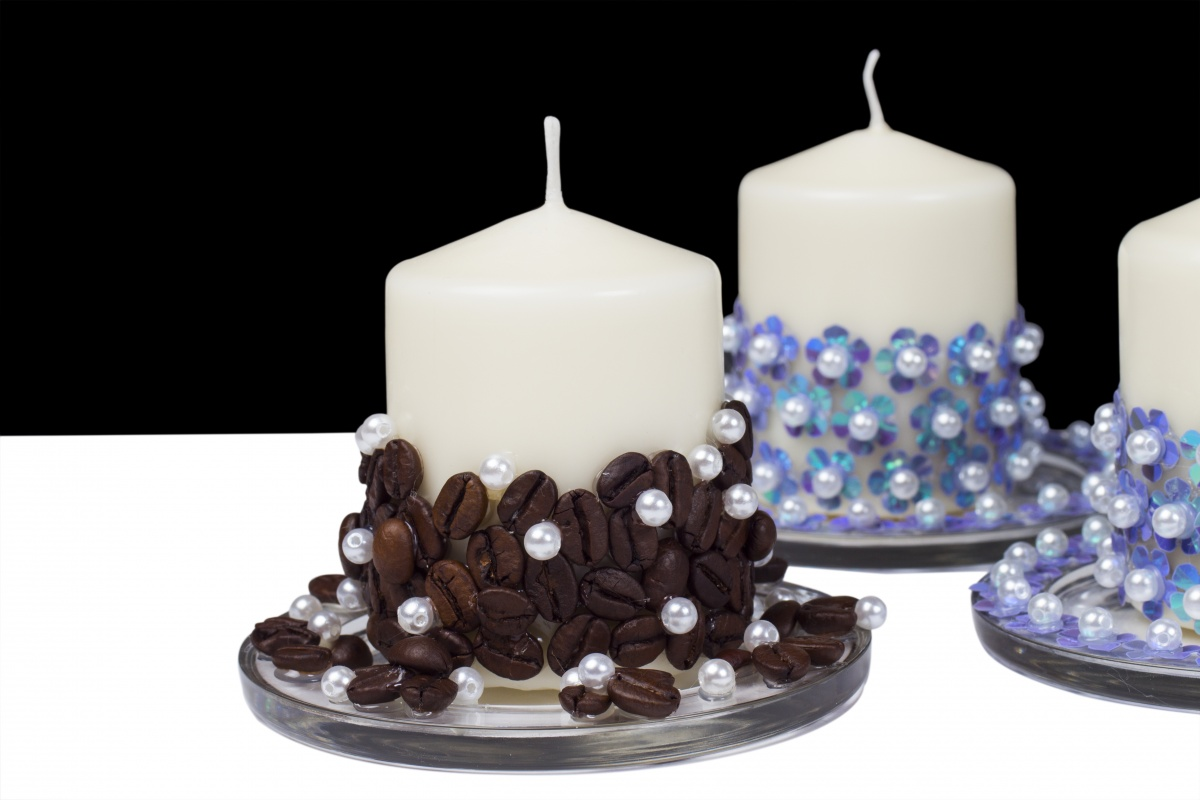 Задекорировать свечи
