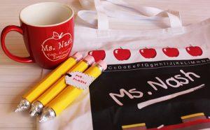 Подарок из конфет для учителя