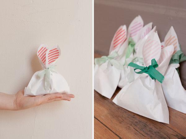 Упаковка подарка в виде зайчика