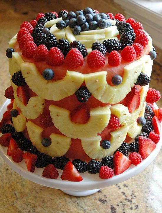 Фруктовый торт с арбузом