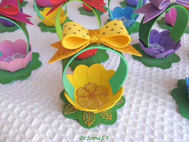 Цветочные корзинки из фоамирана своими руками