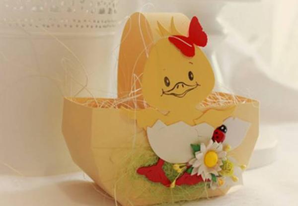 Пасхальная корзинка с цыпленком