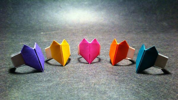 Кольцо с сердцем из бумаги