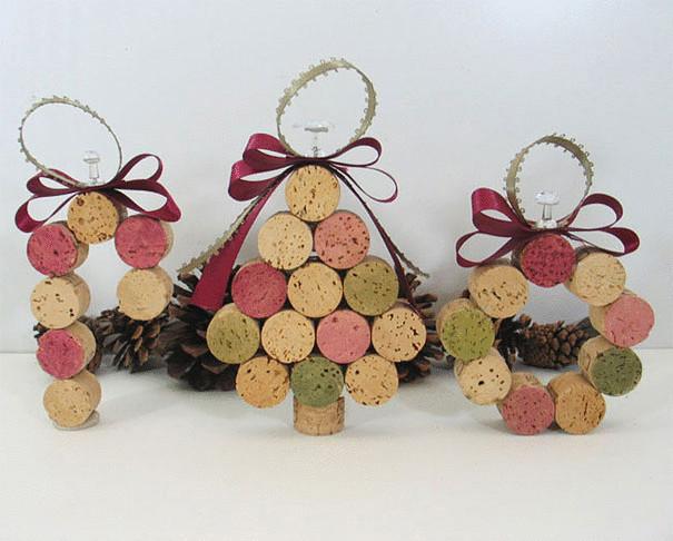 Елочные игрушки из винных пробок