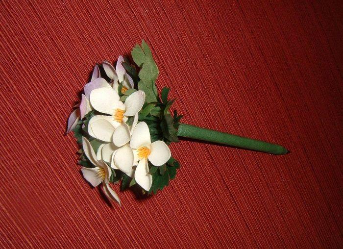 Букет цветов на шариковой ручки