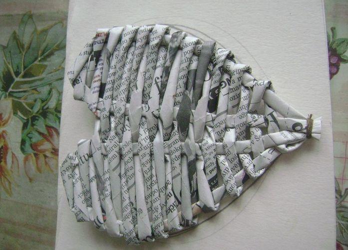 Сердечки из ниток и газетных трубочек