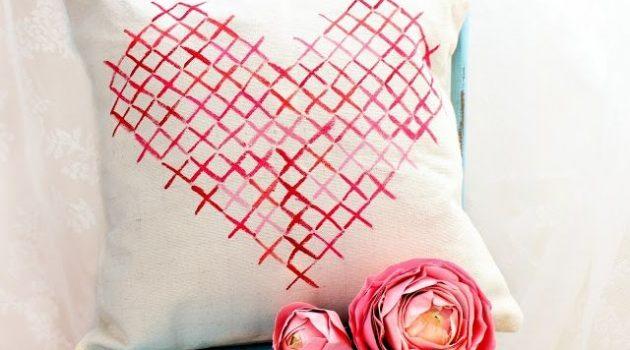 Подушки ко Дню влюбленных
