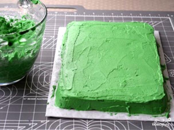 Простое украшение торта на Хэллоуин