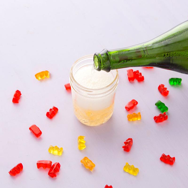 Желатиновые мишки в шампанском