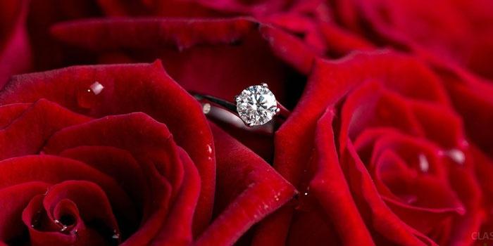 Какой металл и камень нужен для помолвочного кольца