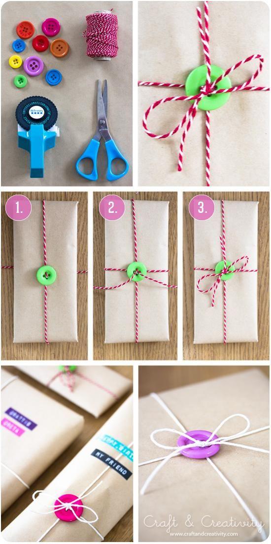 Как украсить подарок пуговицами