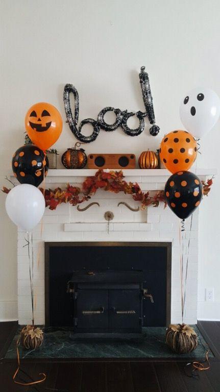 Украшение камина на Хэллоуин шарами