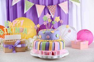 Детский торт, украшенный мастикой просто, фото