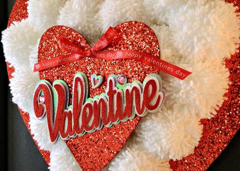 Панно валентинка из помпонов своими руками
