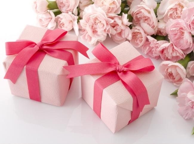 Подарок женщине — удивить несложно!