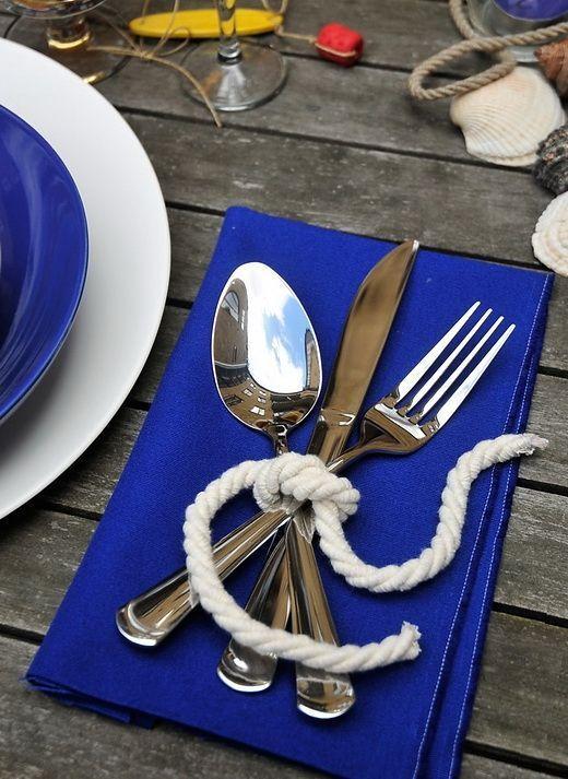 Подача столовых приборов в морском стиле