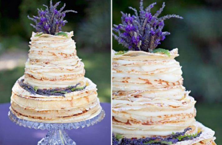 Торт, украшенный лавандой