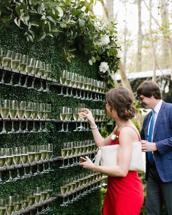 Подача напитков на свадьбе