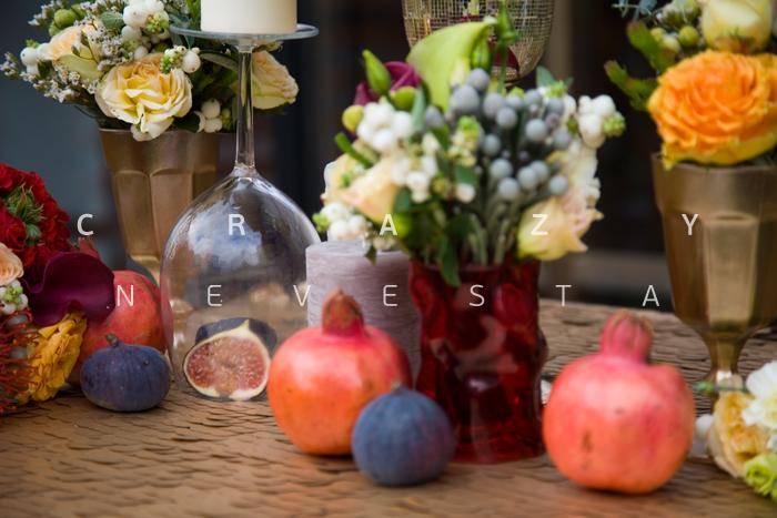 Сервировка стола для свадьбы осенью