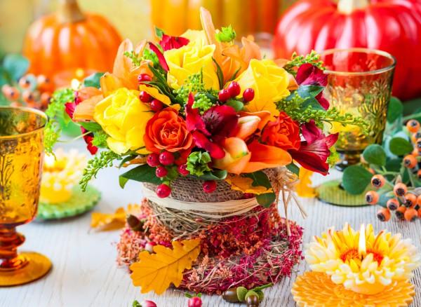 Осенние композиции для украшения столов на свадьбу