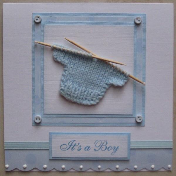 Детская открытка с вязаным свитером