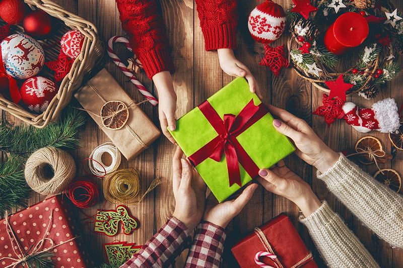 Подарок для мужчины своими руками