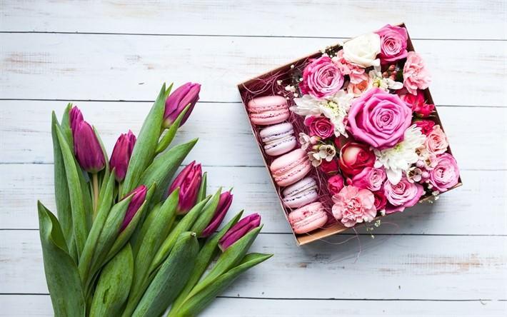 Подарки для девушки на 8 марта