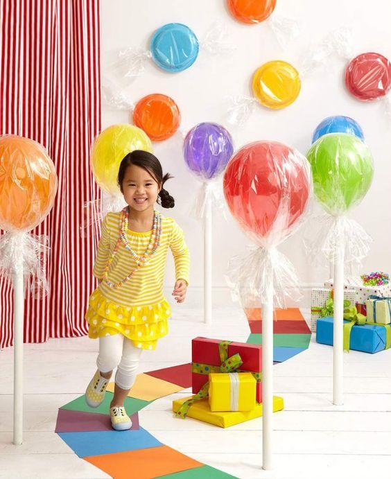 Конфеты на палочке из воздушных шариков
