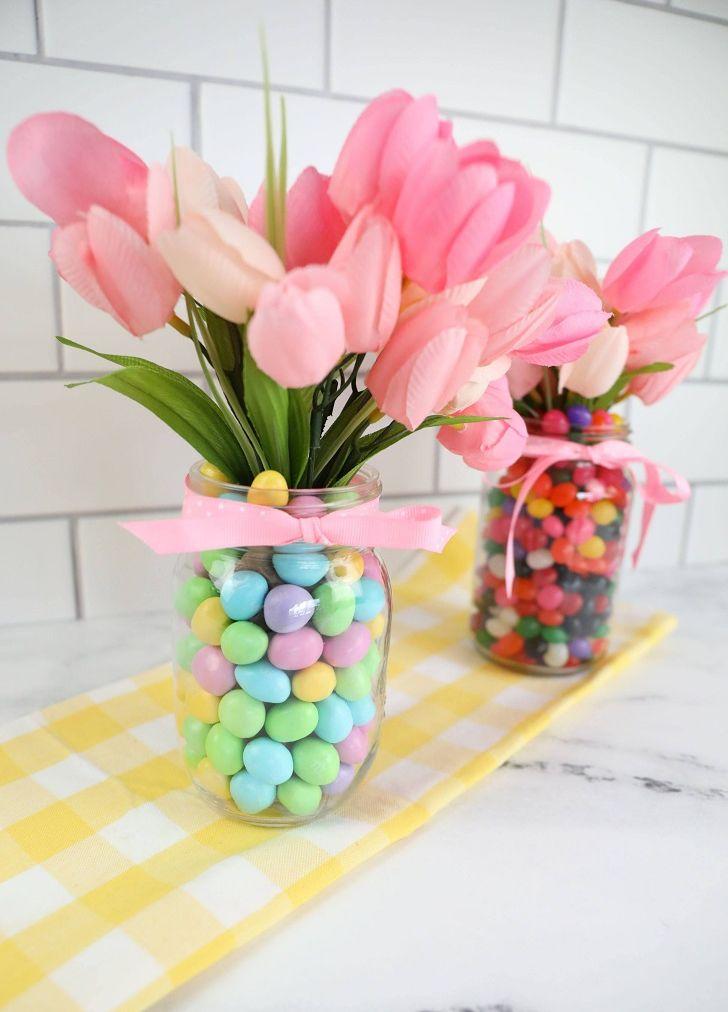 Красивая ваза из банки и конфет